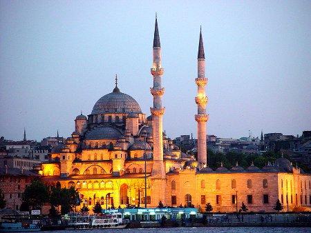 Promenade nocturne - identifiez le monument, la ville et le pays - Page 3 Mosquee%20neuve